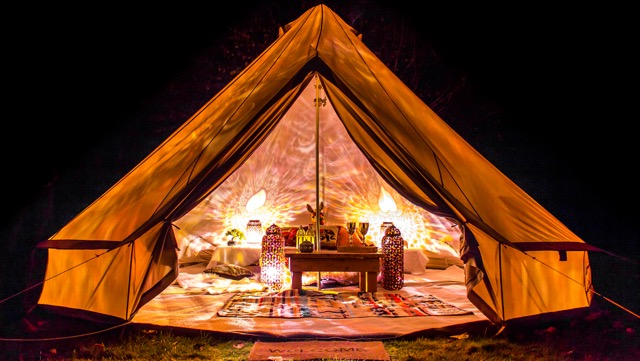 Enjoy luxury on-site accommodation options for you and your guests. Imagine being able to simply stumble back to your tent after the wedding party ... & Glamping at BreckenhillBreckenhill Wedding Venue in County Antrim ...